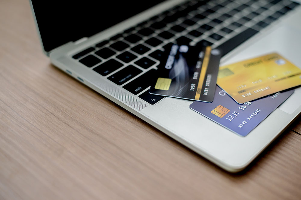 Installment Loan or Credit Card: Which is the Right Choice for You?